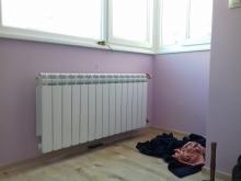 радиатор на стена в стая