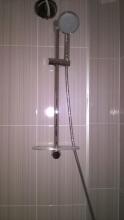 монтаж душ в баня